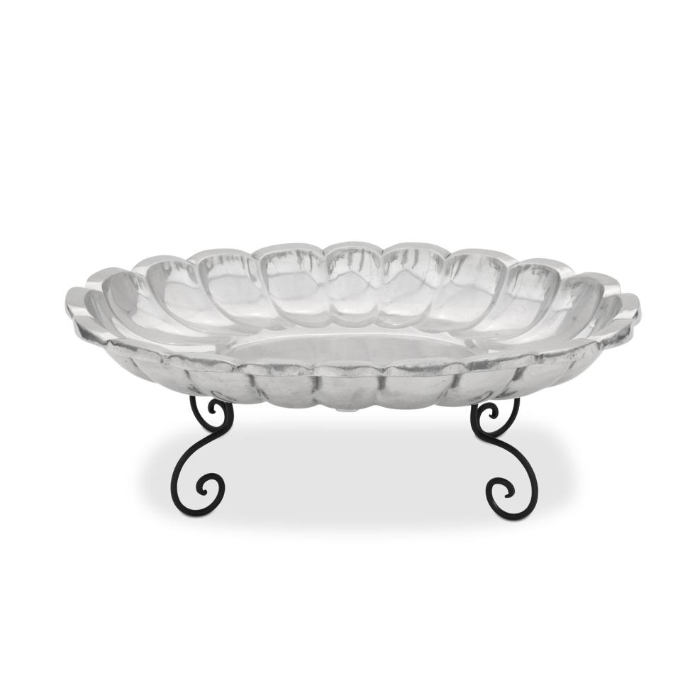 large-oval-bowl-on-stand-33x24