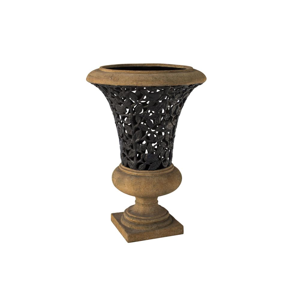 tuscan-urn-with-black-iron-insert-40